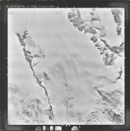 Nabesna Glacier, aerial photograph M 232 8686, Alaska