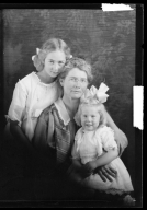 Portraits of Mrs. Joseph Klemme and children