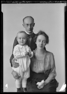 Portrait of B. W. Timplepaugh and family