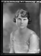 Portraits of Beth Thomas and unidentified woman