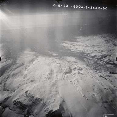 Mount Veniaminof, aerial photograph FL106, Alaska, United States