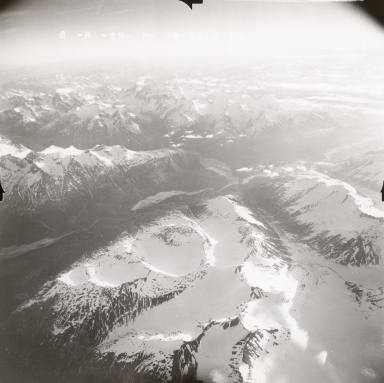 Glaciers NW of Tlikakita River and Lake Clark, aerial photograph FL109, Alaska, United States