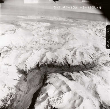 Unknown glacier, Mount Katmai area, aerial photograph FL95, Alaska, United States