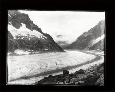 Mer de Glace Glacier, Auvergne-Rhône-Alpes, France