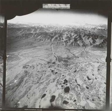 Unknown glaciers near Nutzotin Mountain, aerial photograph FL 27 R-22, Alaska
