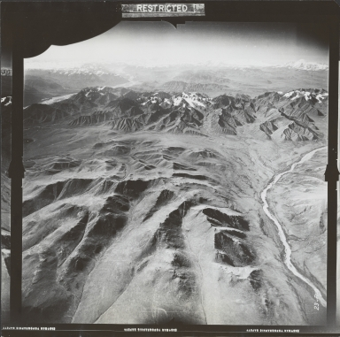 Glaciers Near Mentasta Mountain, aerial photograph FL 27 R-9, Alaska