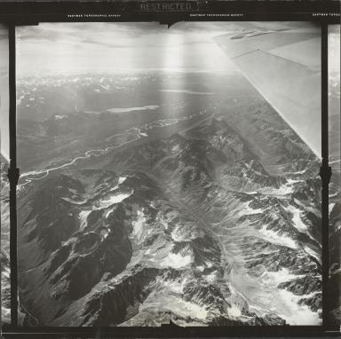 Glacier near Two Lakes, aerial flight FL 9 L-3, Alaska