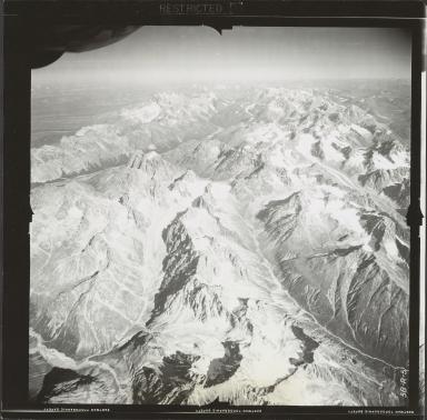 Glaciers between Stony and Swift Rivers, aerial flight FL 9 R-5, Alaska