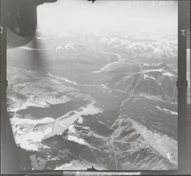 Oweegee Peak, aerial photograph FL 40 L-153, British Columbia