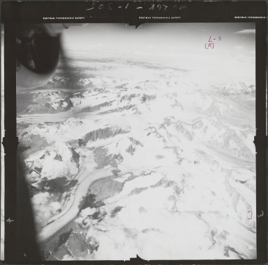South of Black Rapids Glacier, aerial photograph FL55 L-3, Alaska