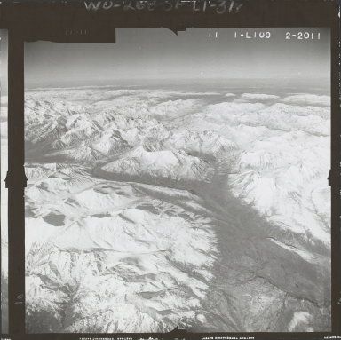 Mountains northwest of Broad Pass, aerial photograph FL 59 L-100, Alaska