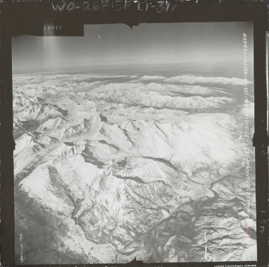 Mountains northwest of Broad Pass, aerial photograph FL 59 L-104, Alaska