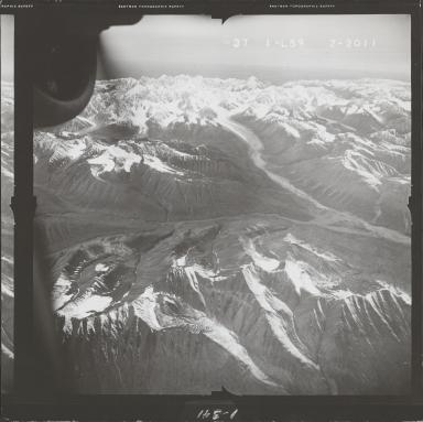 Alaska Range, aerial photograph FL 68 L-59, Alaska
