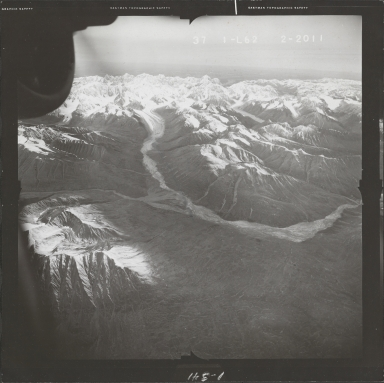 Alaska Range, aerial photograph FL 68 L-62, Alaska