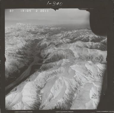 Alaska Range, aerial photograph FL 68 R-105, Alaska
