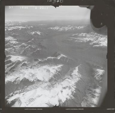 Skwentna River, aerial photograph FL 68 R-85, Alaska