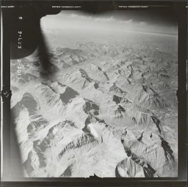 Glaciers in Brooks Range, aerial photograph FL 78 L-23, Alaska