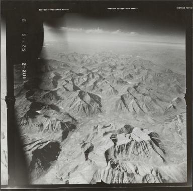 Glaciers in Brooks Range, aerial photograph FL 78 L-25, Alaska