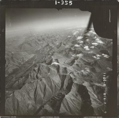 Glaciers in Brooks Range, aerial photograph FL 78 R-15, Alaska
