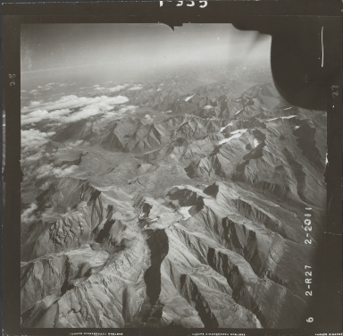 Glaciers in Brooks Range, aerial photograph FL 78 R-27, Alaska