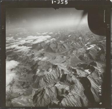Glaciers in Brooks Range, aerial photograph FL 78 R-28, Alaska