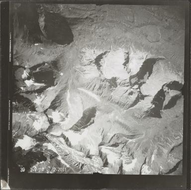 Glacier in southwestern Alaska Range, aerial photograph FL 83 V-70, Alaska