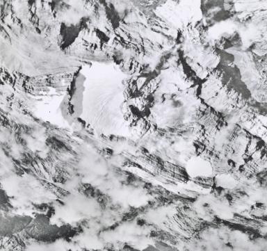 Idenburg looking north, aerial photograph 1942-6-1, Indonesia