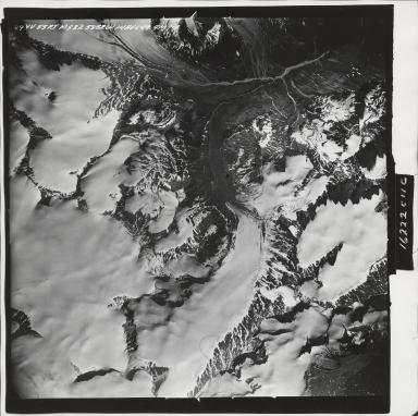Talkeetna Mountains, aerial photograph M 832 29, Alaska