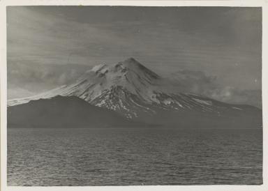 Mount Vsevidof, Alaska
