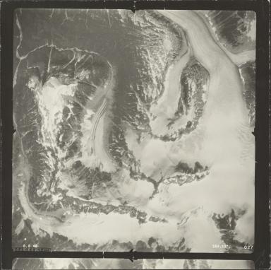AL-5630.5/13137 Glacier, aerial photograph SEA 107 027, Alaska