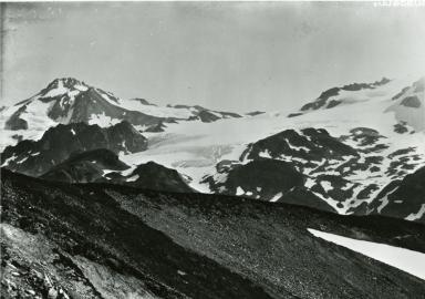 Unknown glacier near Glacier Peak, Washington
