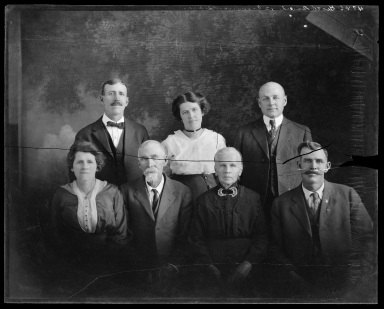Portrait of unidentified men and women