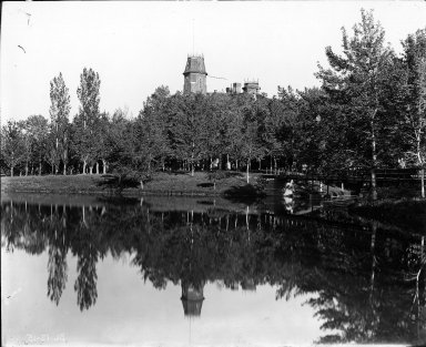 [Old Main summer 1910]