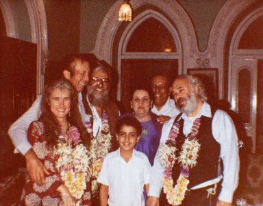 Rabbi Zalman Schachter and Rabbi Shlomo Carlebach with members of the Bombay Jewish community, 1982.