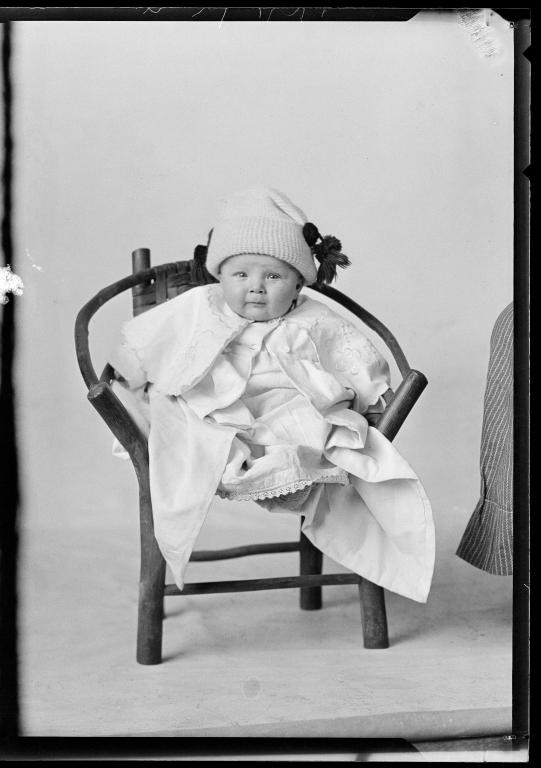 Portraits of child of K. Stolens