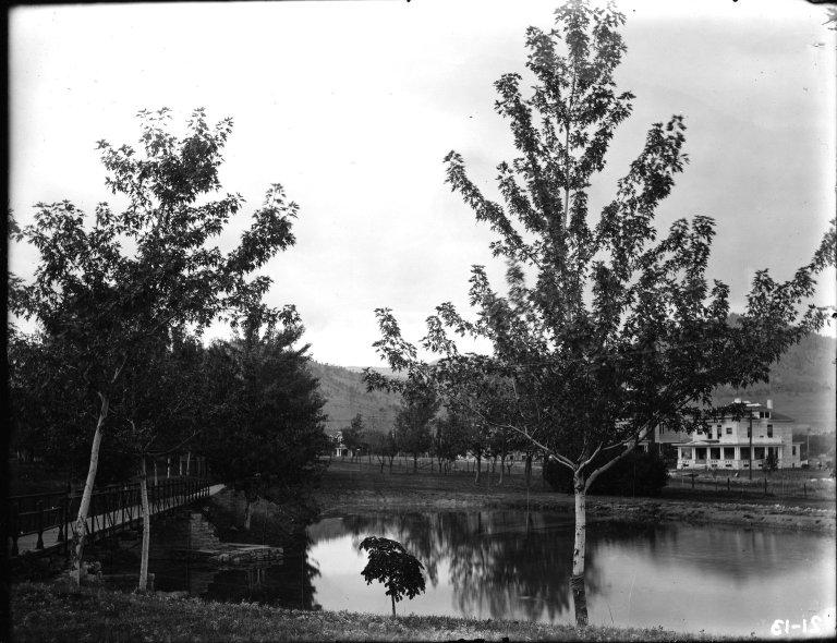 Lake & Johnson House Oct 03
