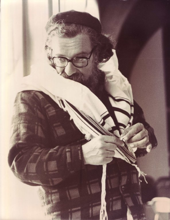 Rabbi Zalman Schachter in flannel shirt and tallit, ca. 1972.