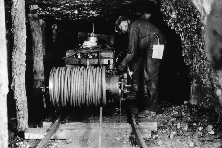Miner with cable spool