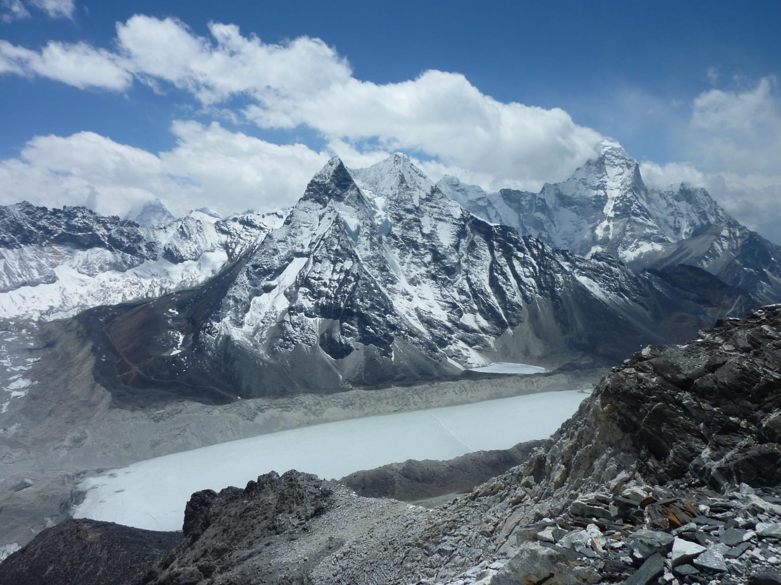 Amphu Laptse Glacier, Nepal