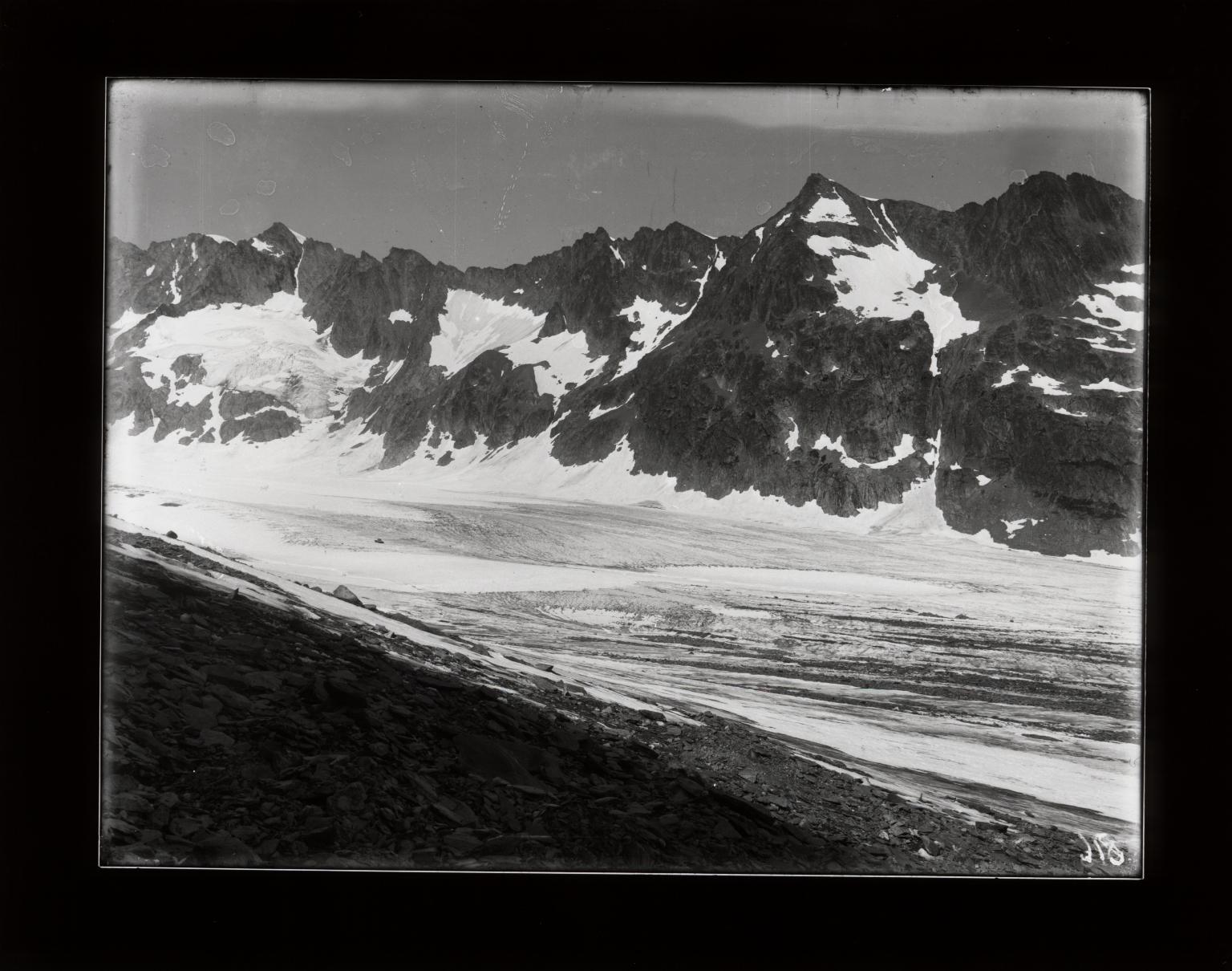 Lauteraar Glacier, Bern, Switzerland