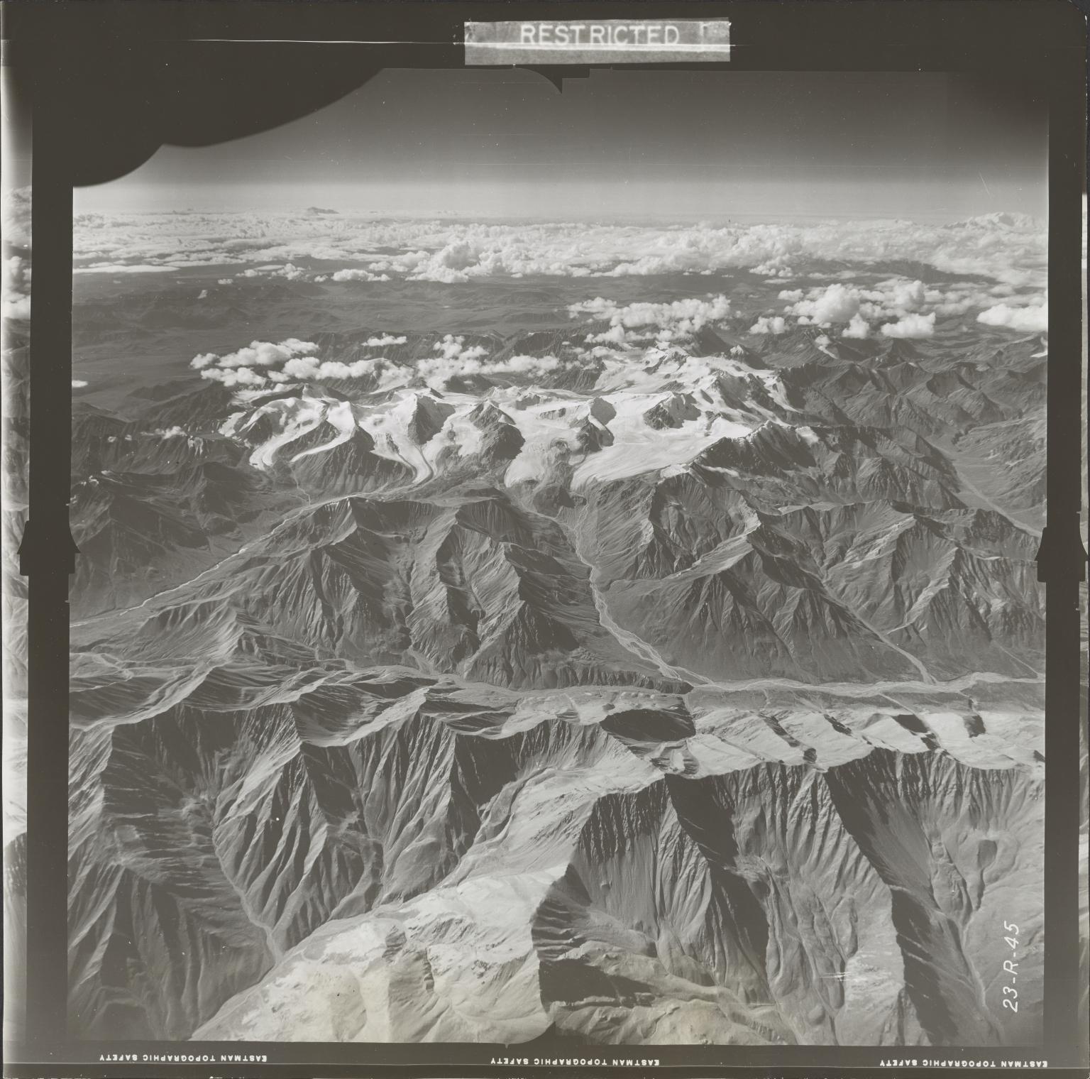 Glaciers in Nutzotin Mountains, aerial photograph FL 27 R-45, Alaska