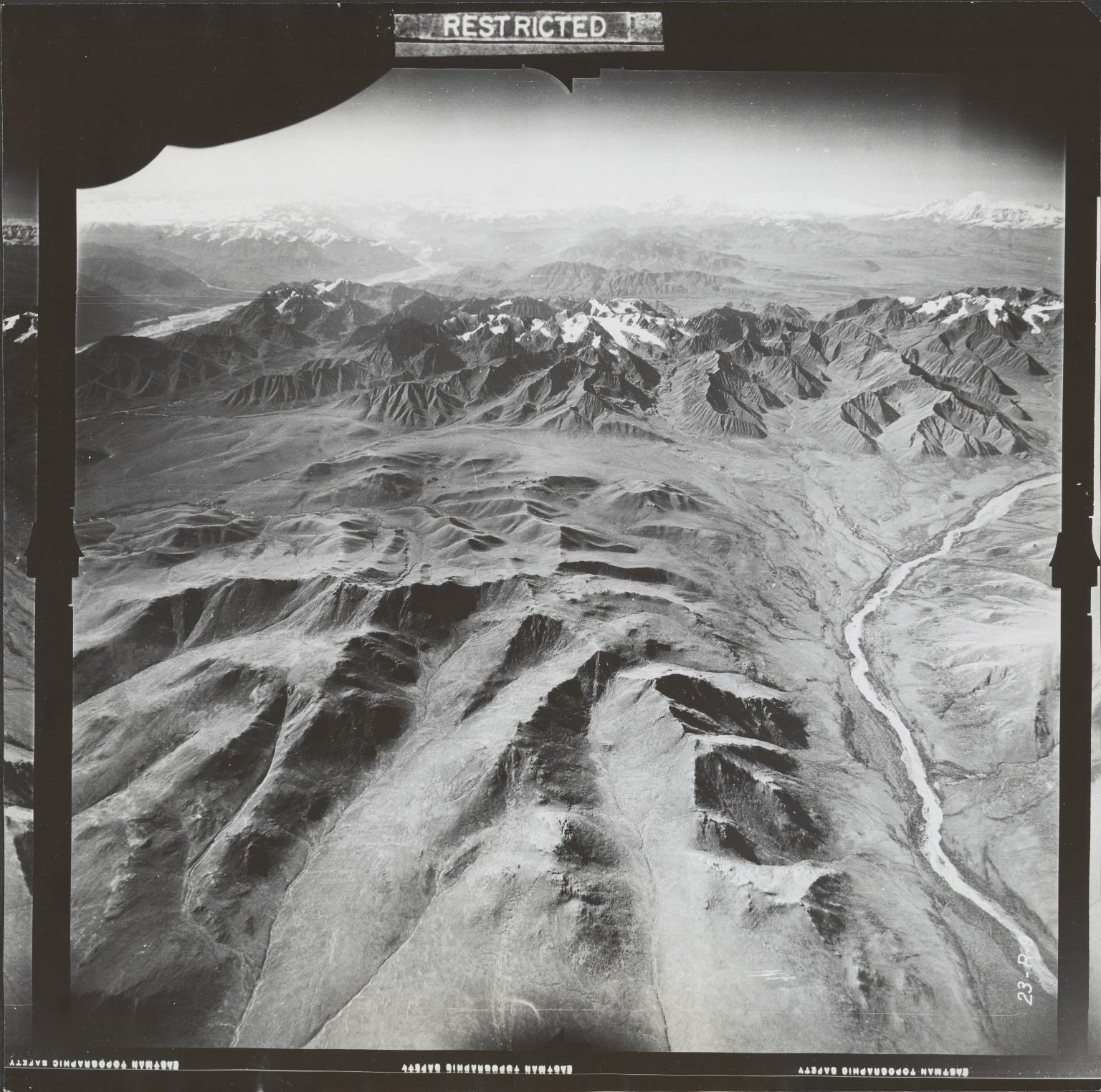 Glaciers Near Mentasta Mountain, aerial photograph FL 27 R-9, Alaska