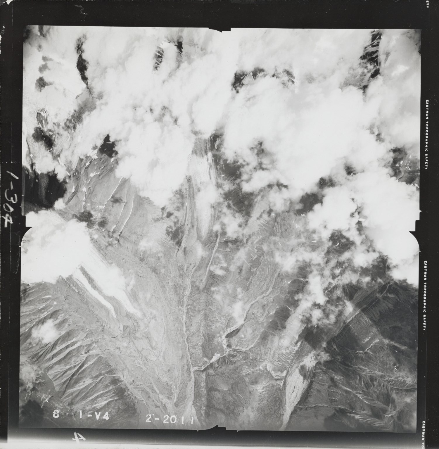 South of Black Rapids Glacier, aerial photograph FL 55 V-4, Alaska