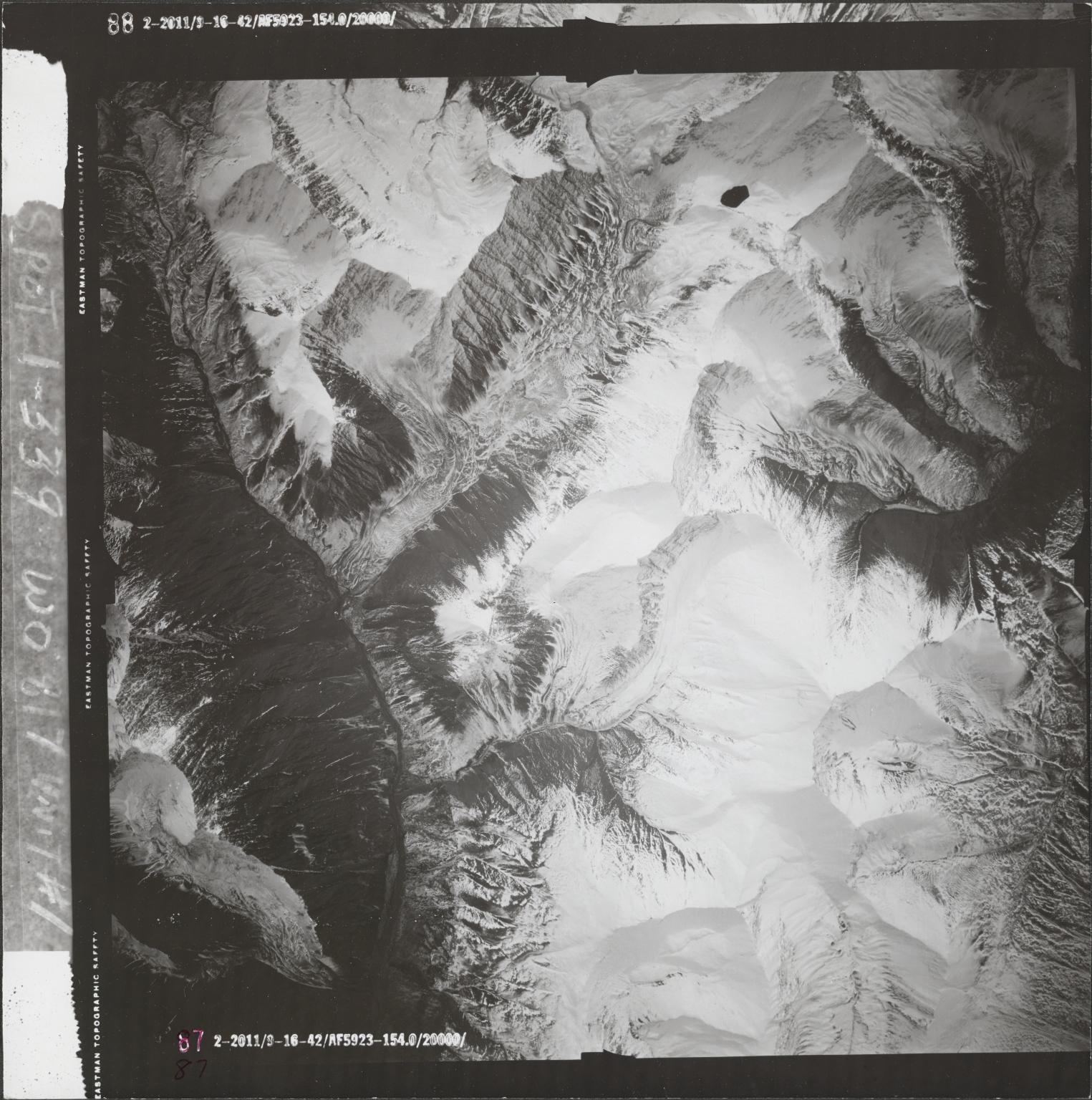 Alaska Range, aerial photograph FL 68 V-87, Alaska