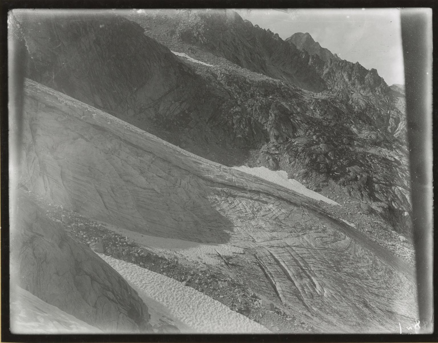 Glacier on Monte Cantone, Italy