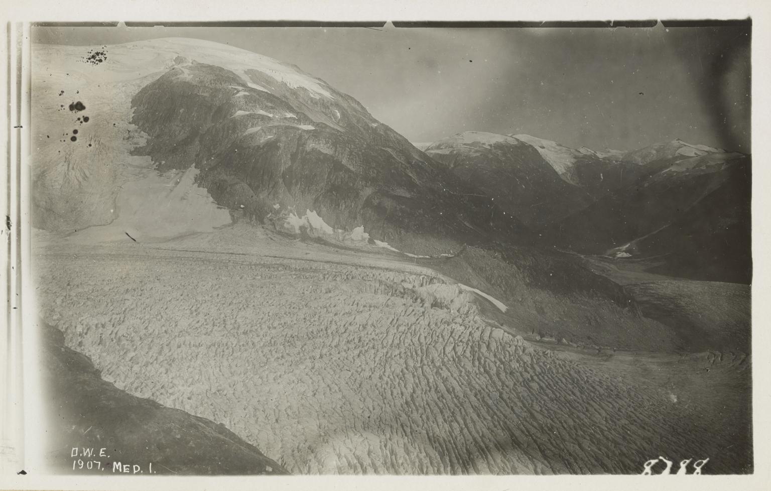 """Unknown glacier (""""Bradfield Glacier""""), border of Alaska and British Columbia"""