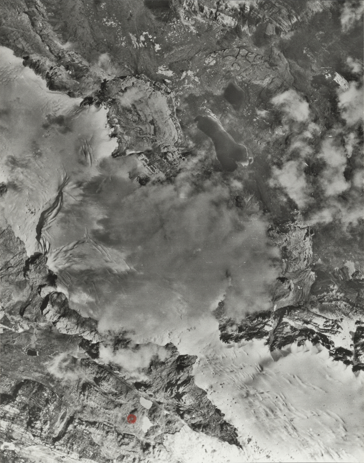 Northwall Firn, aerial photograph 1942-1-1c, Indonesia