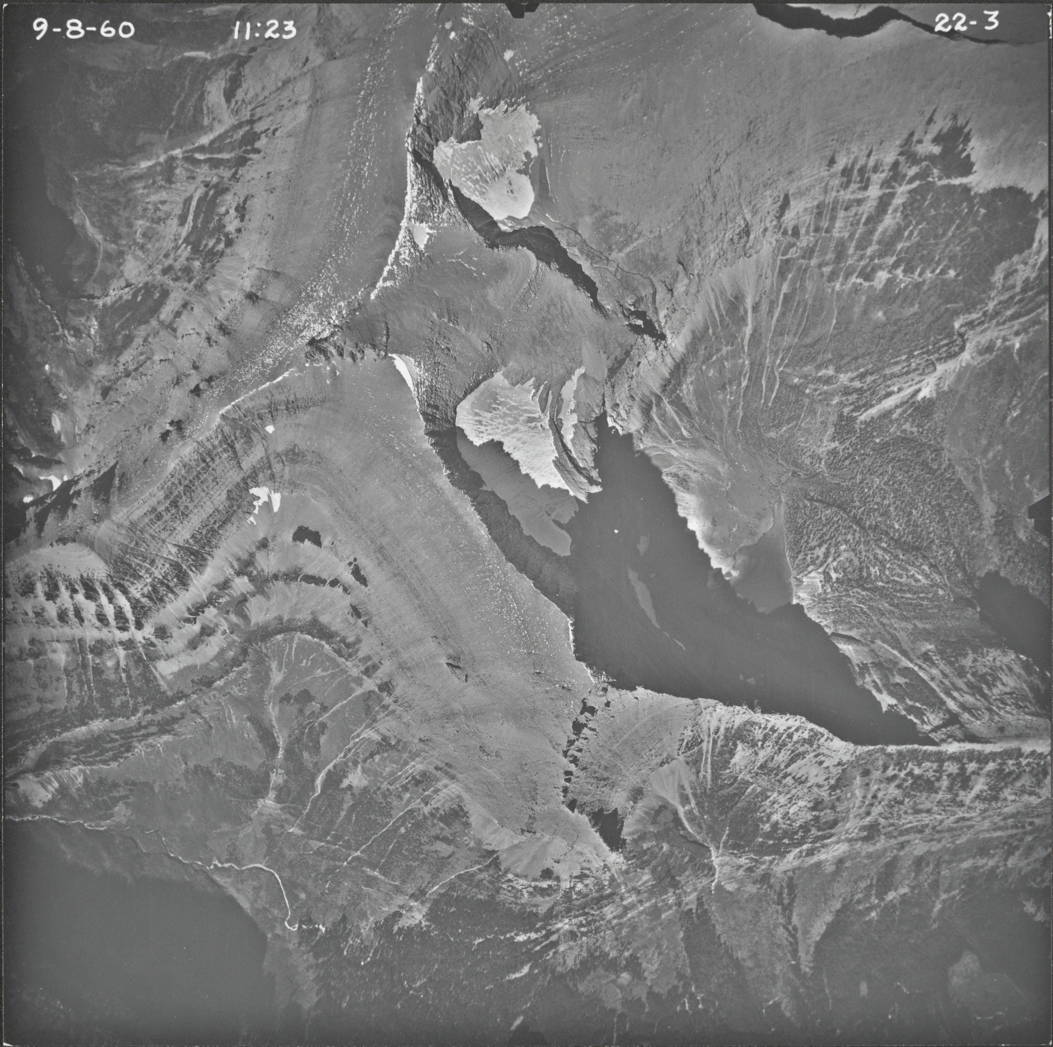 Little Chief Mountain, aerial photograph 22-3, Montana