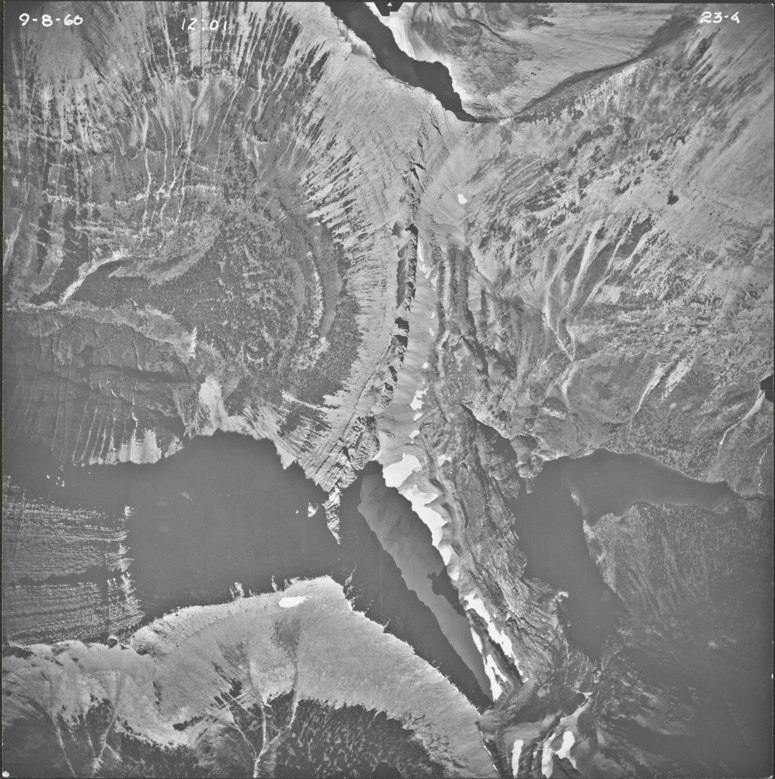 Triple Divide Peak, aerial photograph 23-4, Montana