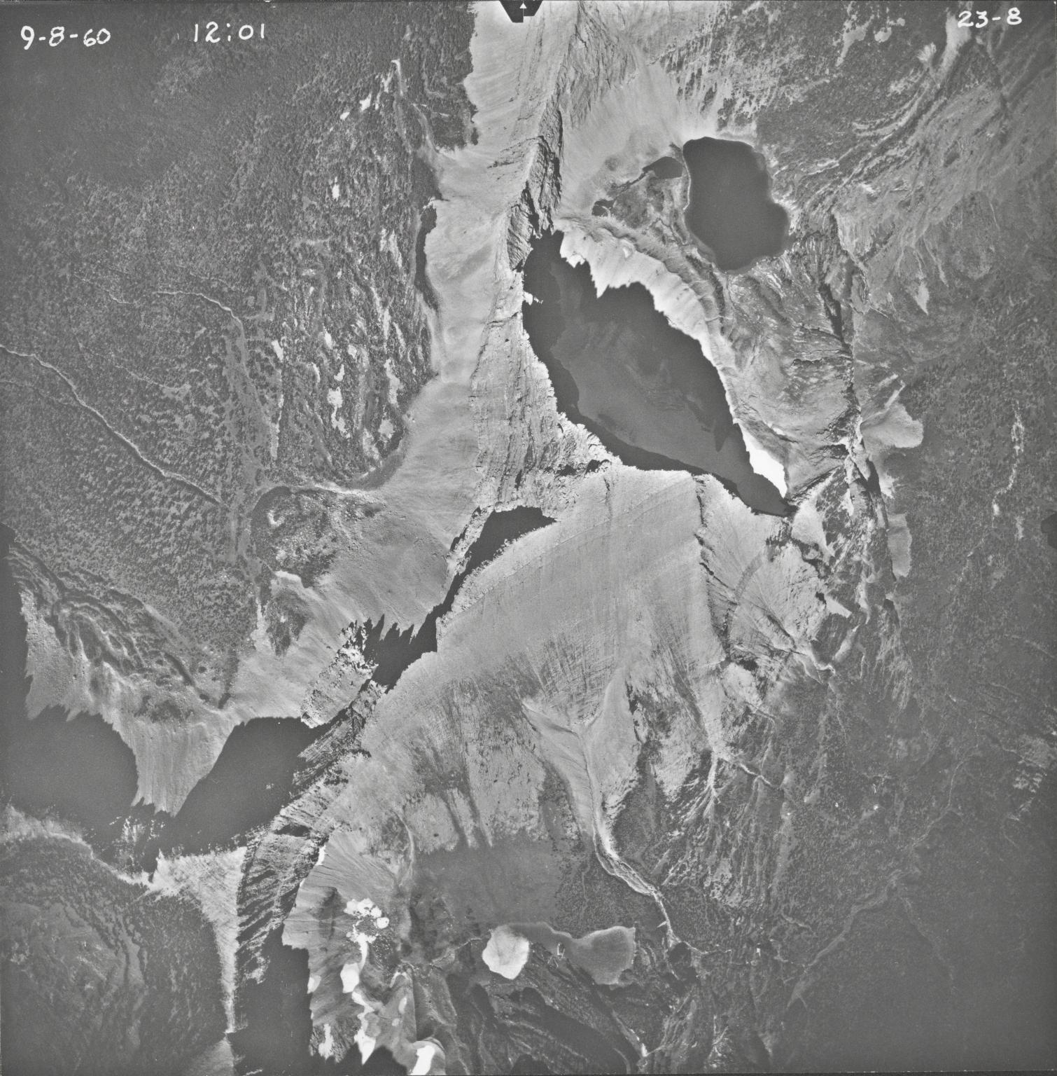 Split Mountain, aerial photograph 23-8, Montana